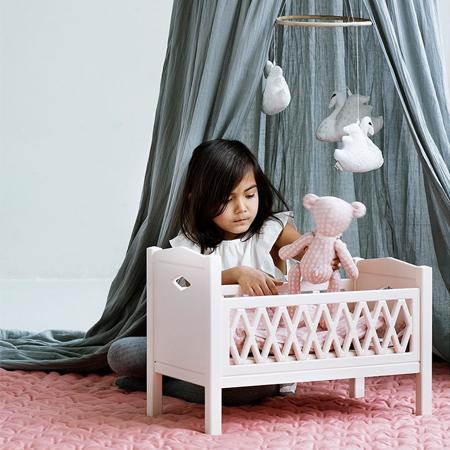 CamCam® Posteljica za lutke Harlequin Doll's Bed Blossom Pink