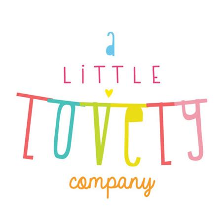 A Little Lovely Company® Obešanka črke Črna