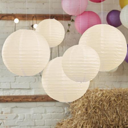 Immagine di Ginger Ray® Lanterne di carta Ivory