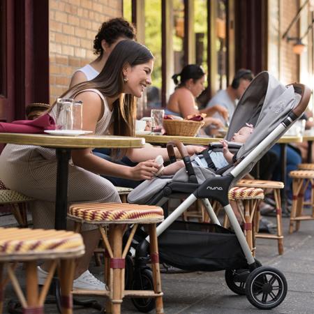 Nuna® Otroški voziček Triv™ Sapphire