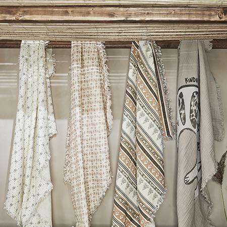 Elodie Details® Mehka bombažna odejica Sandy Stripe