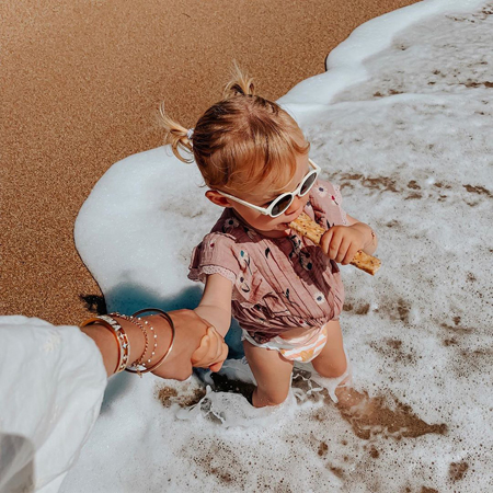 Izipizi® Otroška sončna očala (12-36m) Milk