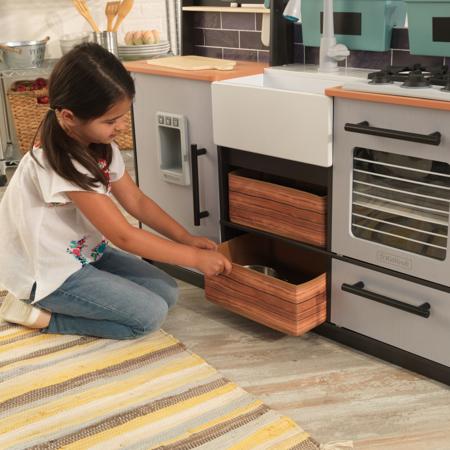 KidKraft® Otroška kuhinja z dodatki Farm to Table