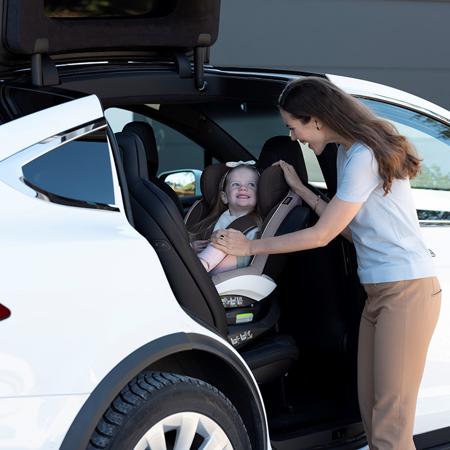 Besafe® Otroški avtosedež iZi Twist i-Size 0+/1/2/3 (0- 18 kg) Black Cab