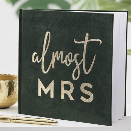Ginger Ray® Spominska knjiga Almost Mrs