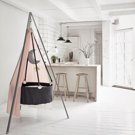 Slika Leander® Otroška viseča zibelka s stojalom Grey + GRATIS Baldahin PINK