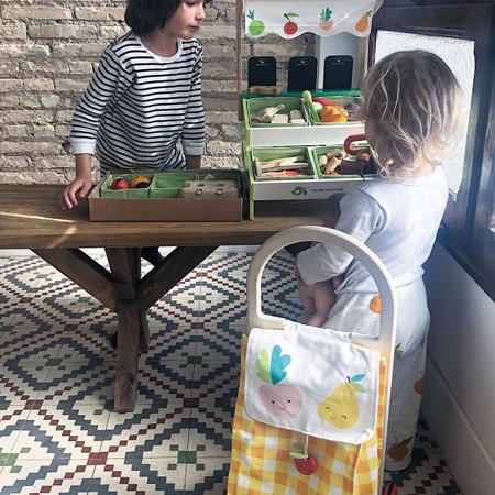 Tender Leaf Toys® Nakupovalna košara na kolesih