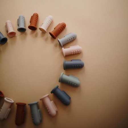 Mushie® Zobna ščetka za na prst Blush/Shifting Sand