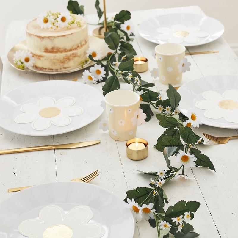 Ginger Ray® Namizne dekorativne marjetice Daisy Foliage Garland