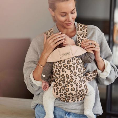 BabyBjörn® Ergonomska nosilka MINI Cotton Beige/Leopard