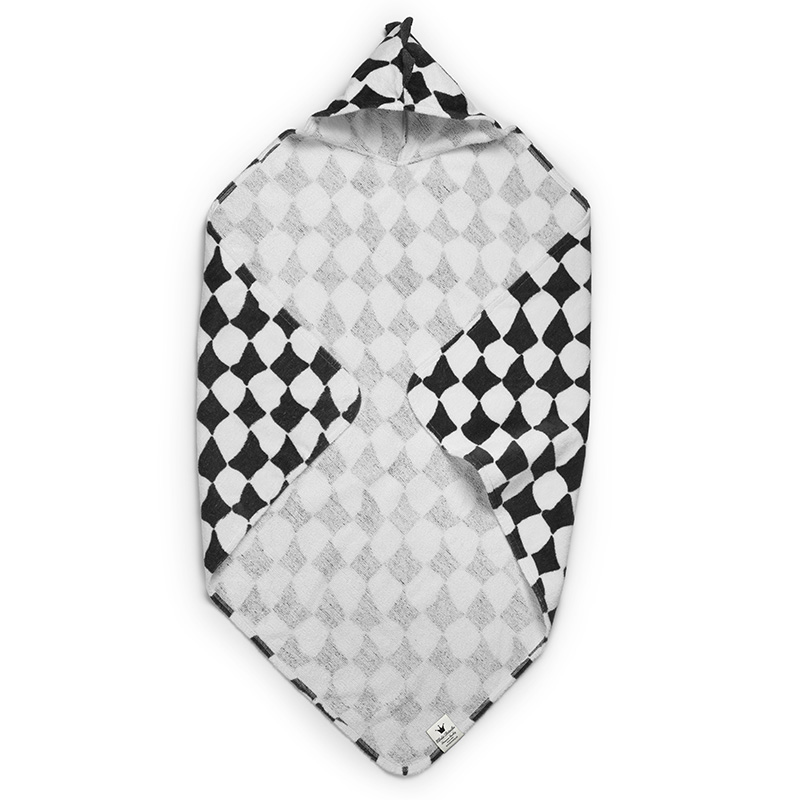 Hooded Towel – Graphic Grace – 5600 x 5600 px