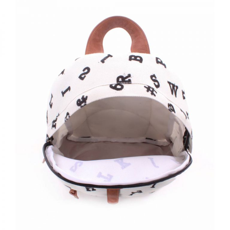 kidzroom-backpack-hearts-black-and-white-31cm (1)