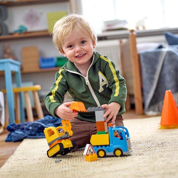 Evitas_LEGO_Duplo_Truck and excavator (4)