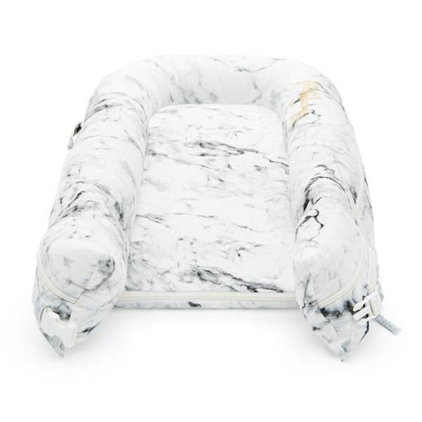 Evitas_Sleepyhead_Carrara_Marble (2)