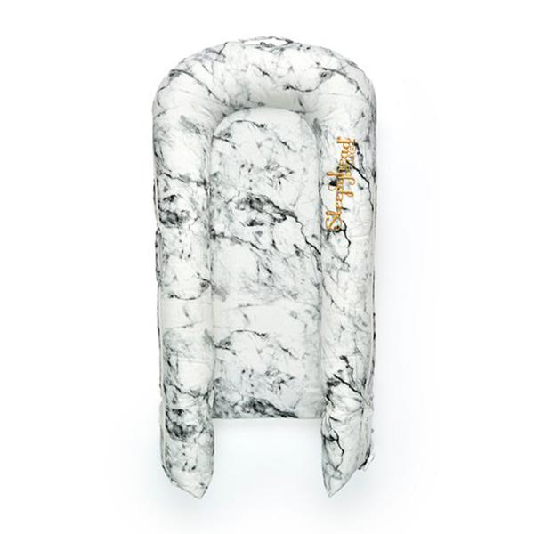 Evitas_Sleepyhead_Carrara_Marble (7)